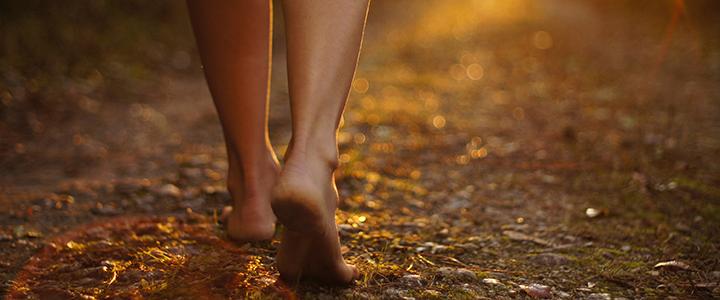 【幸運を呼び込む方法】足の裏をきれいにすると幸せになれる!?